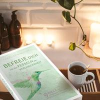 BEFREIE DICH VON DEN FESSELN DER VERGANGENHEIT von Caroline Makovec, ISBN 978-3-9822120-6-7